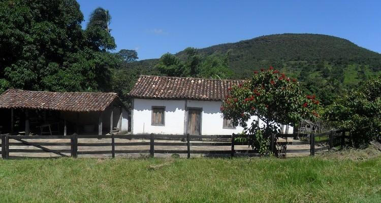 Fazenda de 25 Alqueires Belíssima e rica em água.