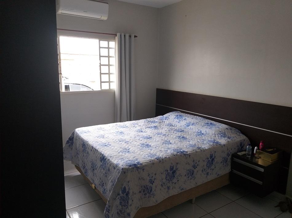 Casa 3 quartos sendo 1 suíte no Setor Moinho dos Ventos