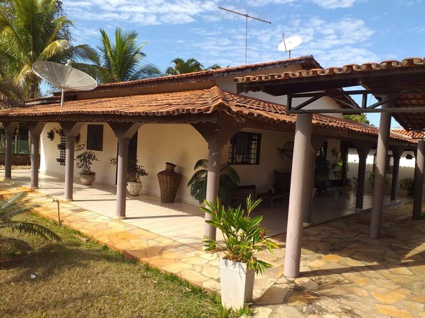 Casa no Condomínio Parque dos Cisnes ávenda com 280 metros quadrados com 4 quartos